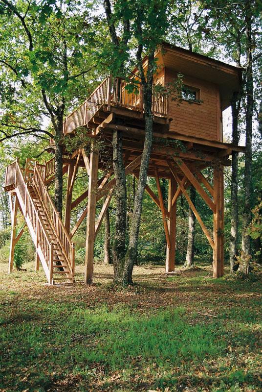 Location d 39 une cabane dans les arbres cabane perch e des ch nes du m doc - Fixation cabane dans les arbres ...