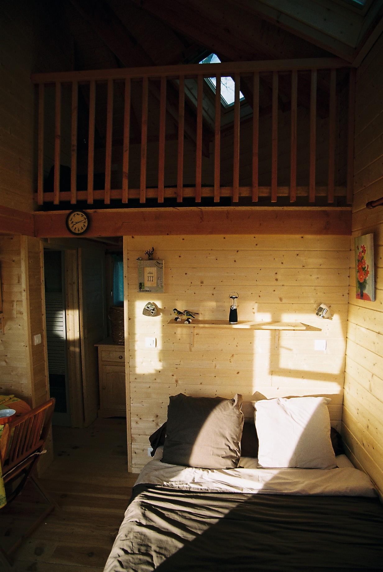 la cabane dans les arbres cabane perch e des ch nes du m doc. Black Bedroom Furniture Sets. Home Design Ideas